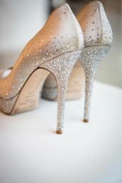 high heels,stilettos,jimmy choo,sparkle,shoes,prom shoes,gold shoes,pumps,platform pumps