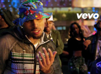 hat multicolor bucket hat chris brown jacket