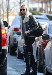 sweater,turtleneck,turtleneck sweater,karlie kloss,jeans,model off-duty,winter outfits