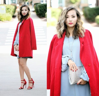 different cands blogger red heels red coat blue dress light blue