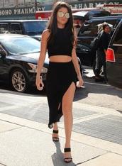 skirt,selena gomez,black,sunglasses,heels,all black everything,accessories
