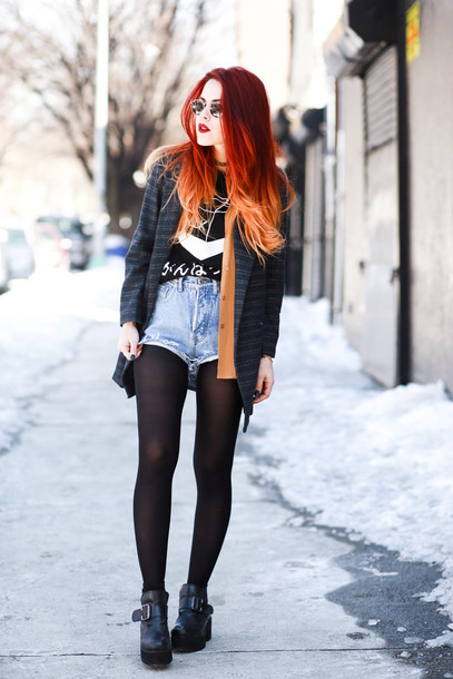 le happy blogger blazer black shoes High waisted shorts jacket t-shirt shorts shoes sunglasses printed blazer opaque tights tights red hair