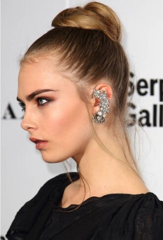 jewels cara delevingne delevingne earrings jewelry diamonds chic alternative celebrity victoria's secret model stylish
