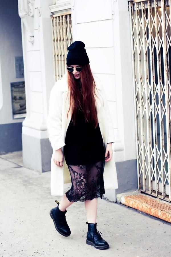 a pretty pass shoes hat dress shirt sunglasses jewels