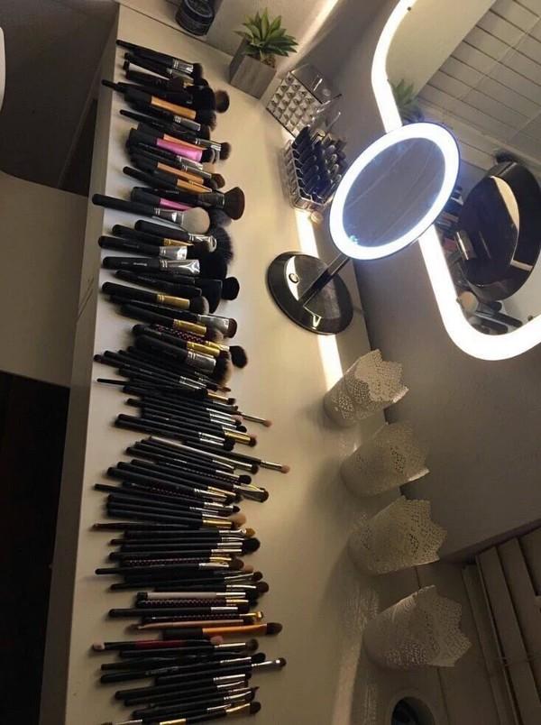 make-up makeup brushes vanity makeup mirror with light s