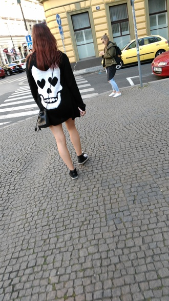 sweater pullover jumper cardigan skull skull hoodie hoodie skull sweater skull cardigan heart rock alternative rock black white black hoodie black sweater black cardigan halloween halloween sweater white skull