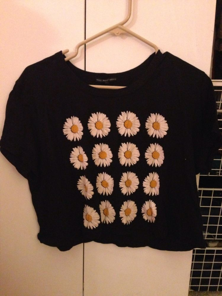 Urban Outfitters Daisy Crop Top Size Large | eBay