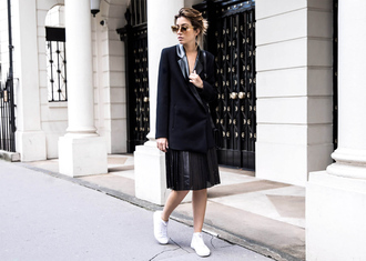 the chronicles of her blogger jacket skirt shoes bag sunglasses