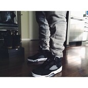 shoes,air jordan,good,black and white,sport wear