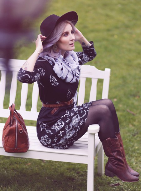 like a riot blogger hat scarf belt patterned dress brown leather boots