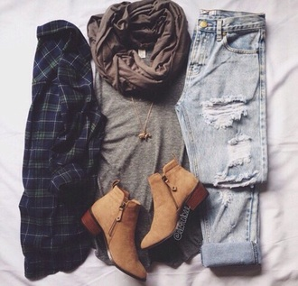 shoes boots brown winter outfits automn fall outfits scarf jeans