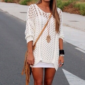 jewels jewelry necklace bag hippie white lace shorts sweater sweatshirt winter sweater bracelets ring girly shirt