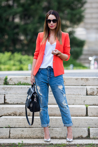 cashmere in style jacket t-shirt jeans bag jewels shoes sunglasses