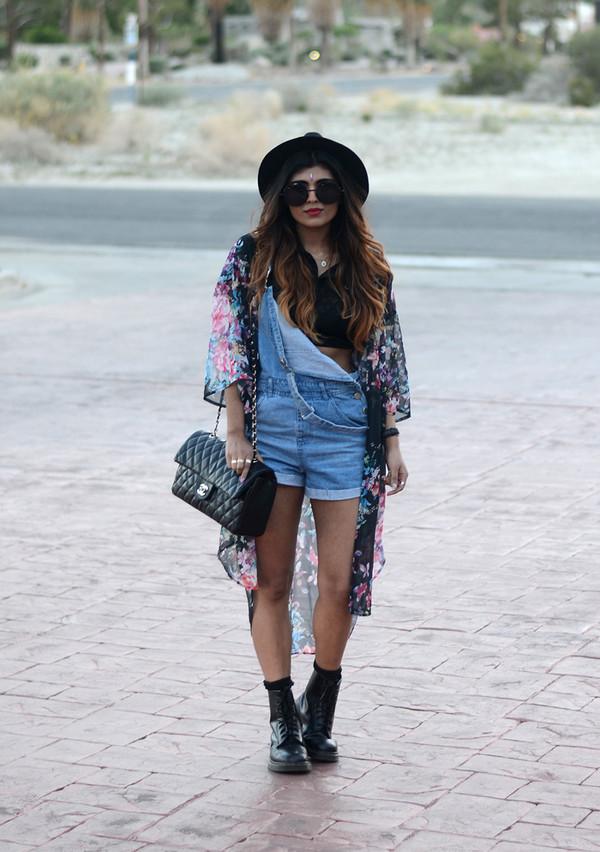 she wears fashion sunglasses shoes jewels