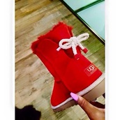 shoes,ugg boots,red