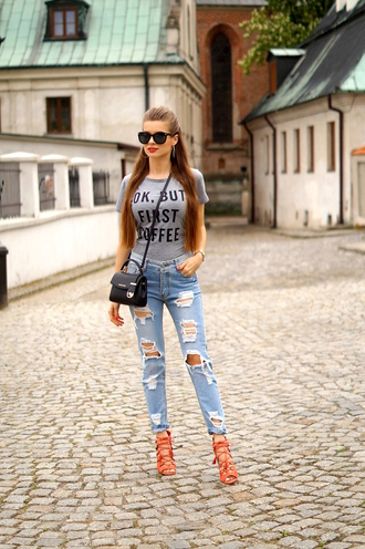 only my fashion style blogger t-shirt jeans bag jewels shoes