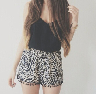 long hair black tank top black tank summer outfits black and white