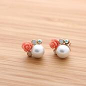 jewels,jewelry,pearl,stud,stud earrings,earrings,pearl earrings,flowers,flower earrings