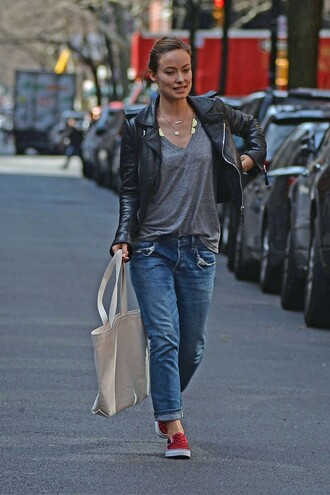 flats jacket spring spring outfits olivia wilde streetstyle leather jacket grey t-shirt grey top boyfriend jeans