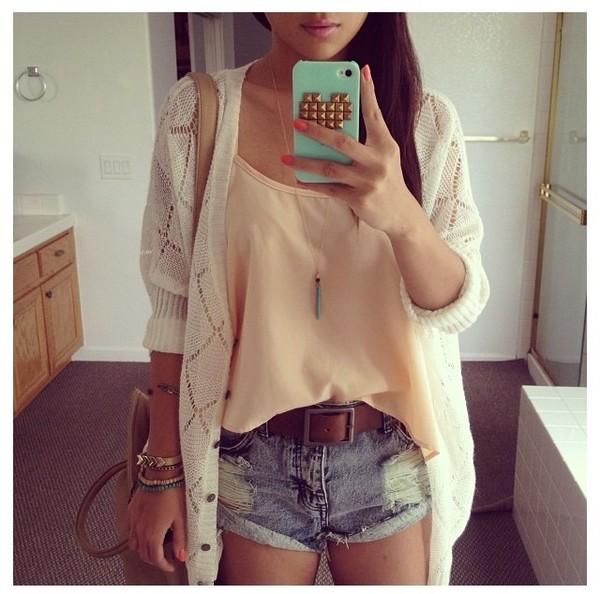 blouse clothes t-shirt t-shirt crop tops tank top peach orange tank top orange vest veste white blanc belt shorts denim bag sac jewels jacket