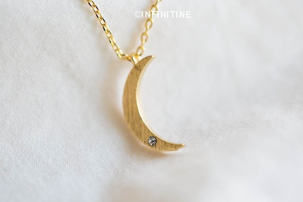 crescent moon necklace ,half moon necklace,cool necklace,girls necklac