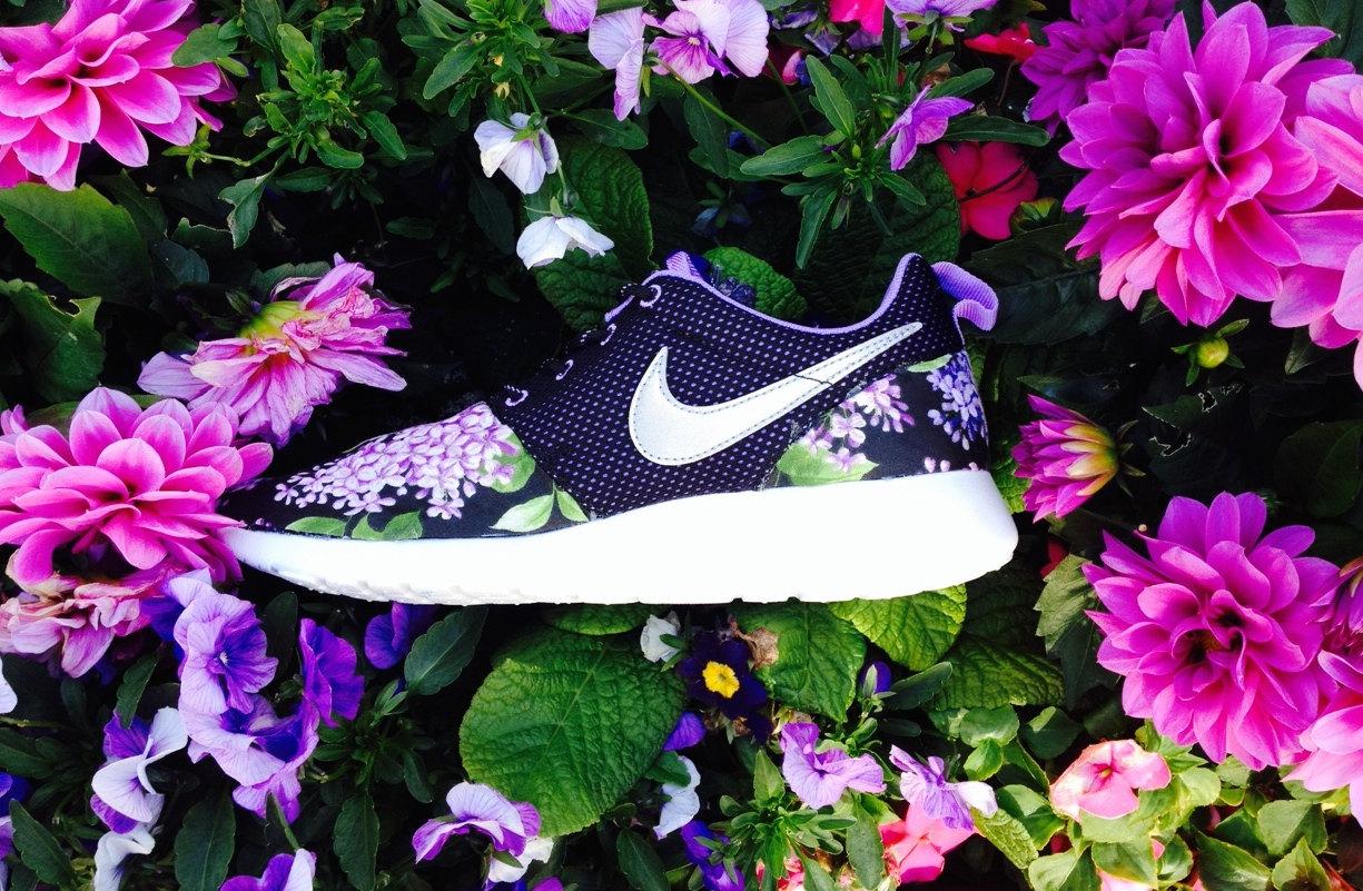 Nike roshe run custom lilac style ( fast shipping )