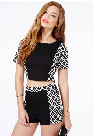 Tallulah Geometric Print Zipped Shorts - Shorts - Missguided