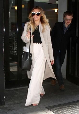wide-leg pants lauren conrad purse spring outfits coat sandals sunglasses bag