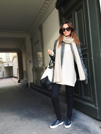 by funda blogger bag grey jacket isabel marant celine bag
