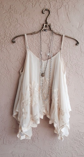tank top lace girly vintage hipster white white lace crop tops t-shirt cropped flowy top blouse jewels jewelry bracelets jewelry