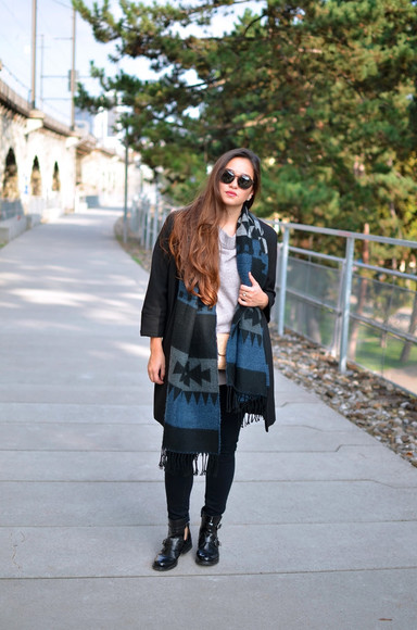 navajo blogger blaastyle scarf jeans blanket scarf cut out ankle boots