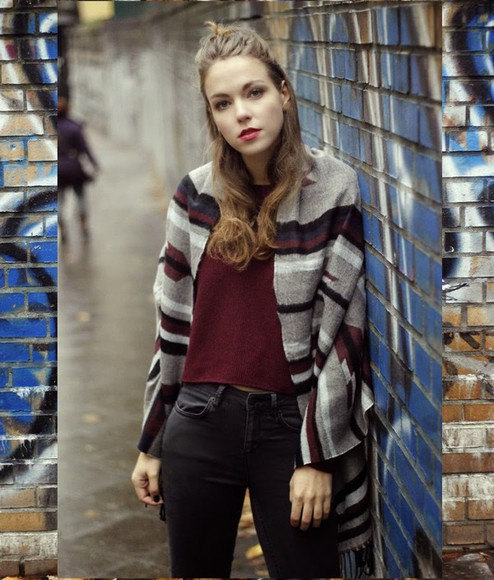 stripes blogger fall outfits gold schnee burgundy