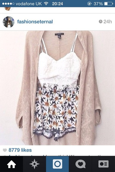 shorts daisy sweater flowers, floral, frilly, cream, white, jeans, belt