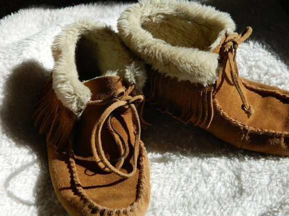 shoes boots indian boots hippie moccasins indian boho minnetonkas fur shearling