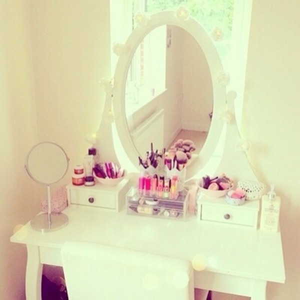 jewels dressing table make-up mirror