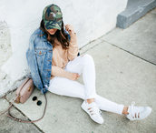 hauteofftherack,blogger,jeans,sweater,shoes,jacket,hat,bag,nude sweater,cap,gucci bag,denim jacket,white jeans,sneakers