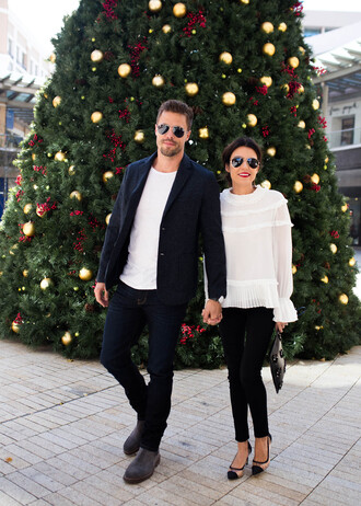 hello fashion blogger coat shoes blouse pants bag white blouse clutch black pants