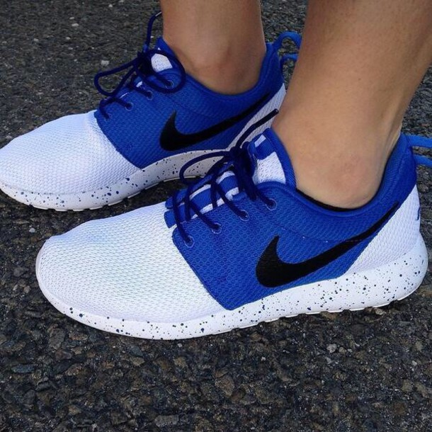 nike roshe blue and white