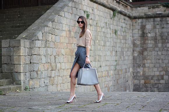 fashion vibe blogger sunglasses bag elegant work outfit slit skirt
