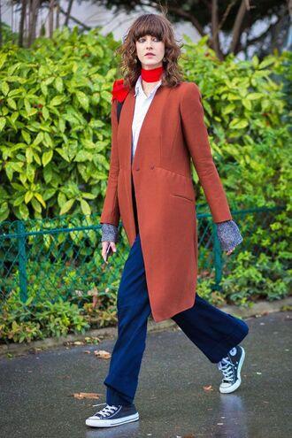 pants converse coat brown coat white top scarf