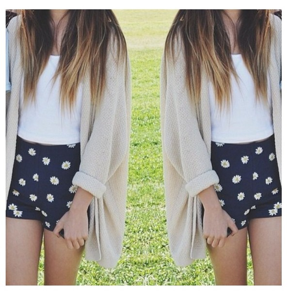 shorts blue flowers daisy's High waisted shorts high waisted sweater