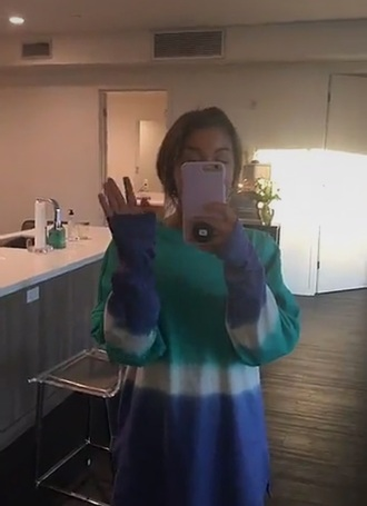shirt andrea long sleeves crew crewneck blue light blue teal white long snapchat fashion tie dye dye stripes three color/pattern colorful tan snap andrea russett russett snapchatstory fashion toast dip dyed !!help me!! i want this socks please help me find this outfite