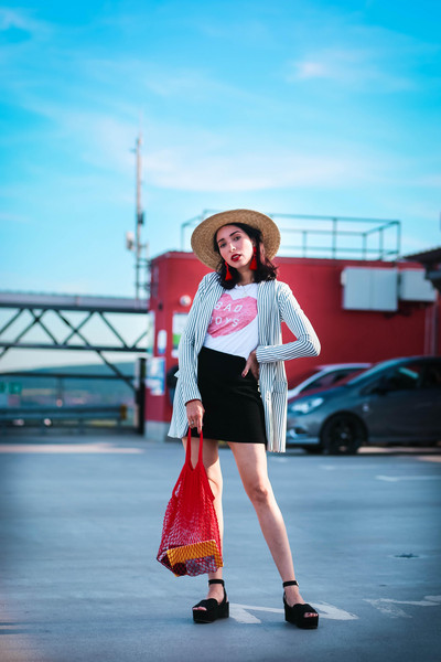 preppy fashionist blogger hat jewels t-shirt jacket skirt bag shoes summer outfits fishnet bag platform sandals