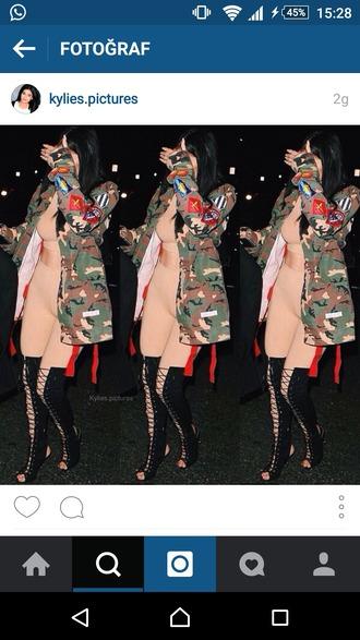 jacket kylie jenner camouflage leggings