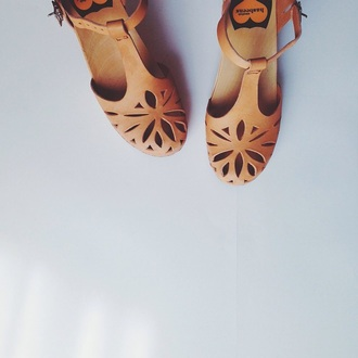 shoes nude tan cut-out summer boho retro love leather flowers
