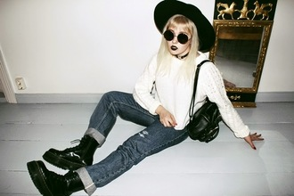 thelma malna blogger jeans sweater hat grunge drmartens round sunglasses