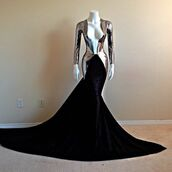 dress,prom,prom dress,long prom dress,silver,metallic,v neck,long,soft metal,sexy,long sleeves,mermaid prom dress,black prom dress,black,floor length,deep v cut,long sleeve dress,mermaid,haute couture,high fashion trends,sexy dress,fashion,gown,couture dress,long dress,vneck dress,black dress,sliver dress,prom drss