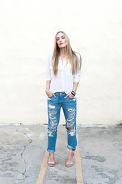 eat sleep wear,blogger,top,jeans,jewels