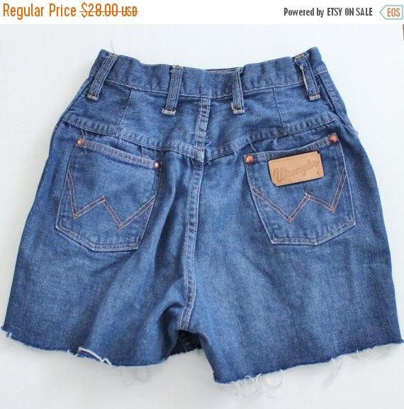 40% off sale // Vintage 70s Wrangler Misses Denim Shorts // Cut ...