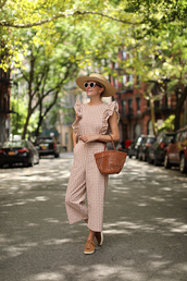 jumpsuit,checkered,sneakers,bag,belt,sunglasses,straw hat